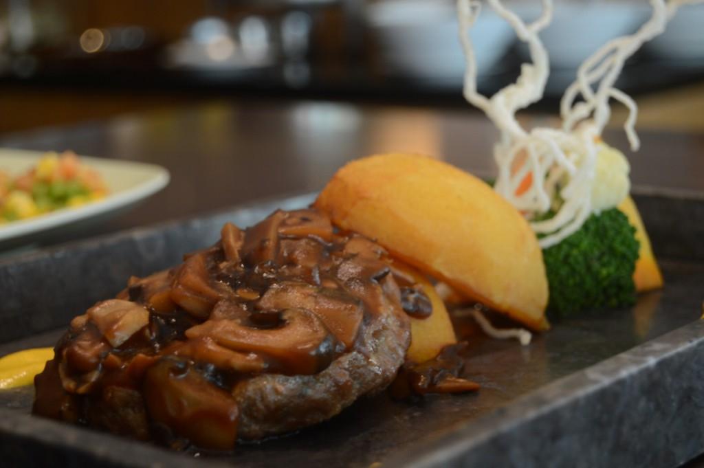 Burger Steak with Tripple Mushroom (Large)