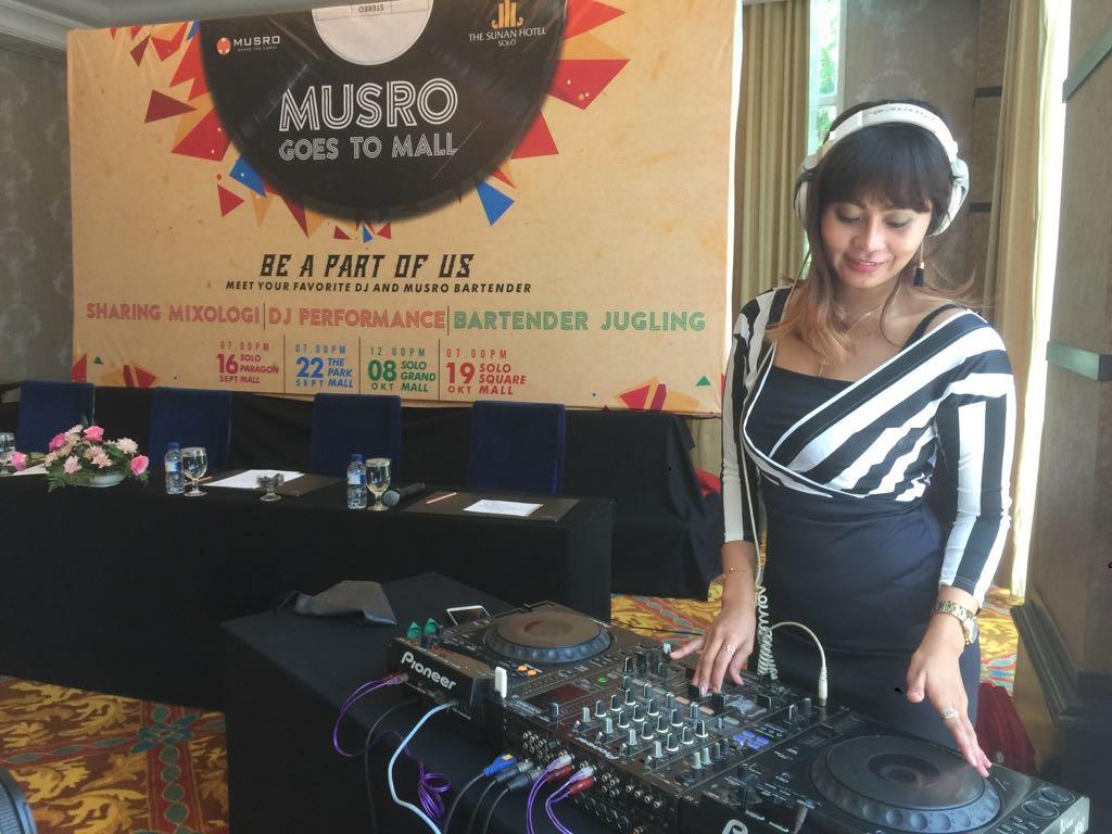 DJ Nathalie Risty