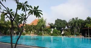 The Sunan Hotel Solo Kolam Renang